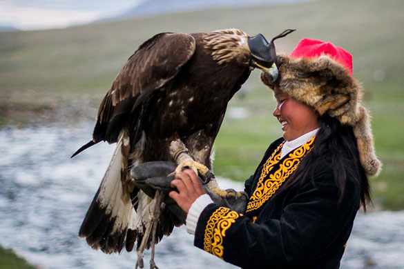 eagle-festival-eagle-hunter-girl-mongolia.jpg
